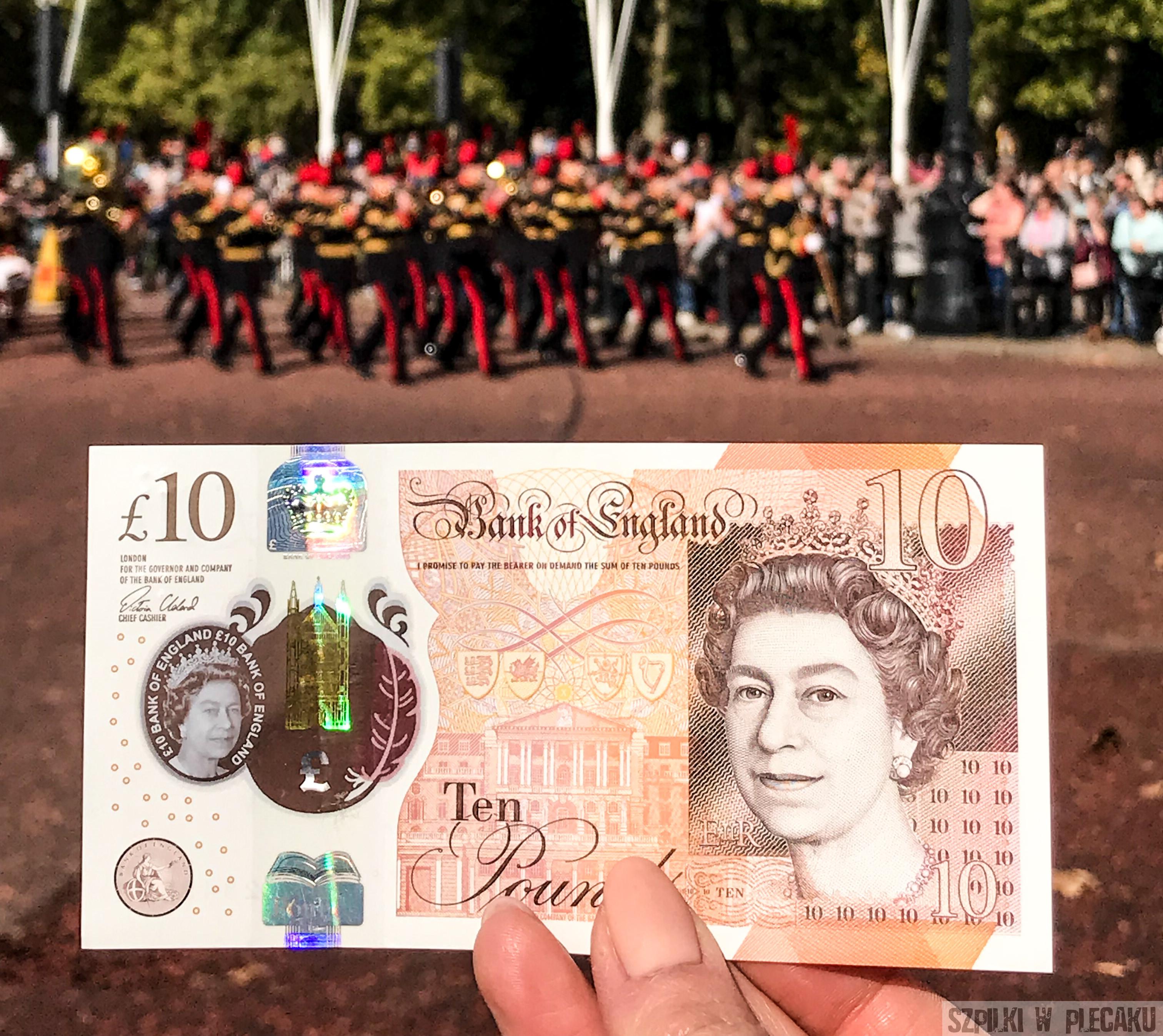 krolowa elzbieta na banknocie