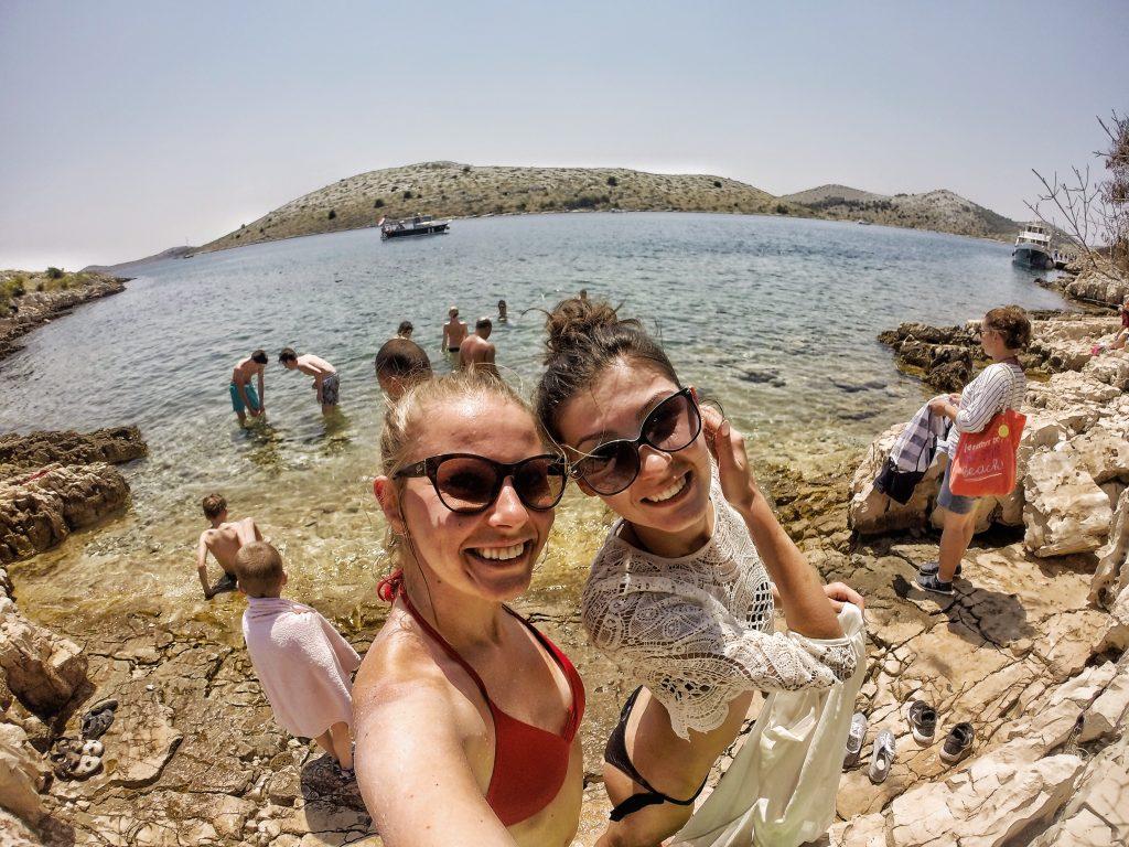 Jak nie stracić przyjaciół podczas wspólnych wakacji? – PnŚ