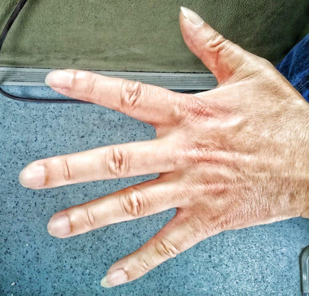 długie paznokcie w Chinach