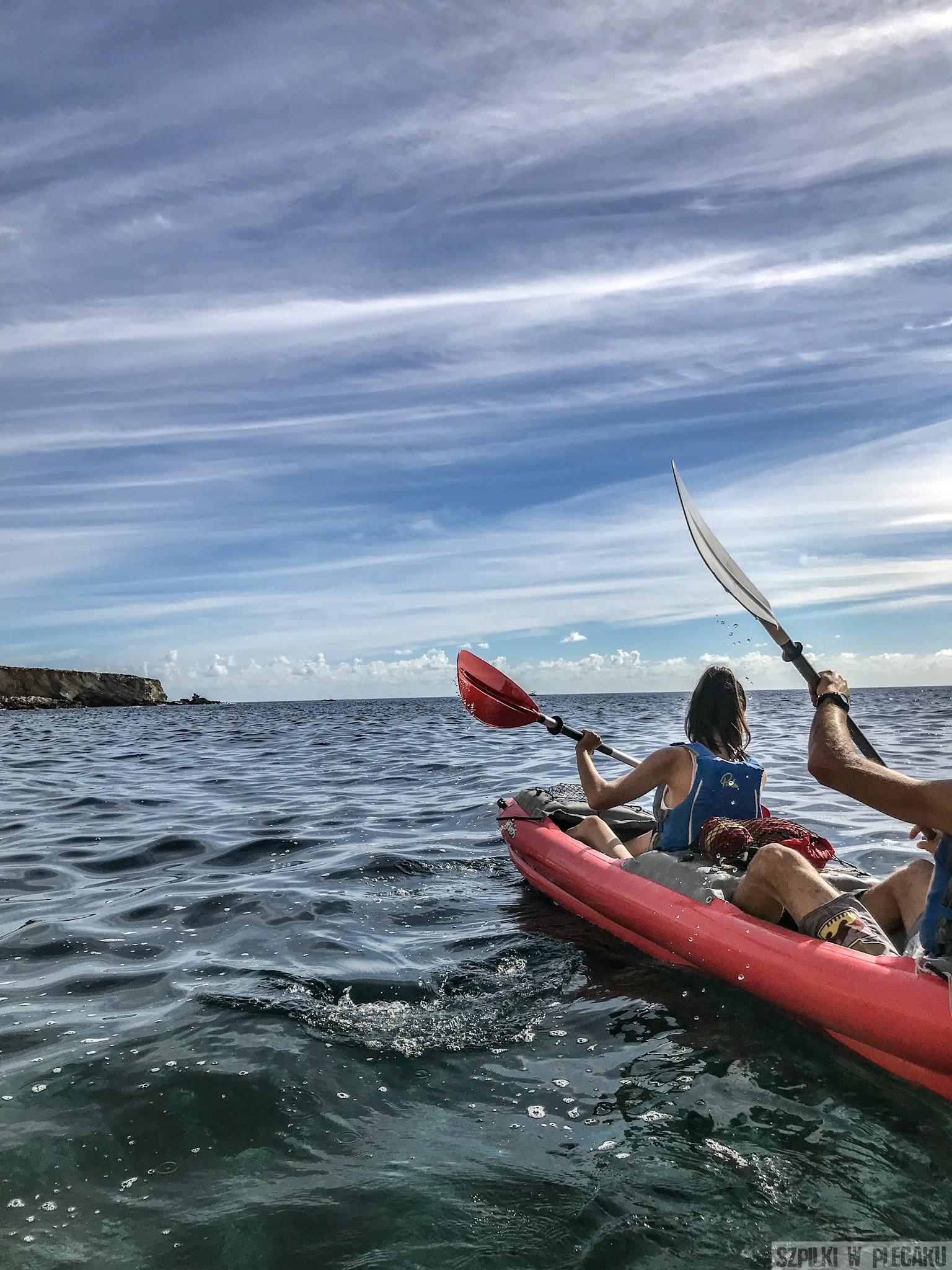 kajaki na otwartym morzu