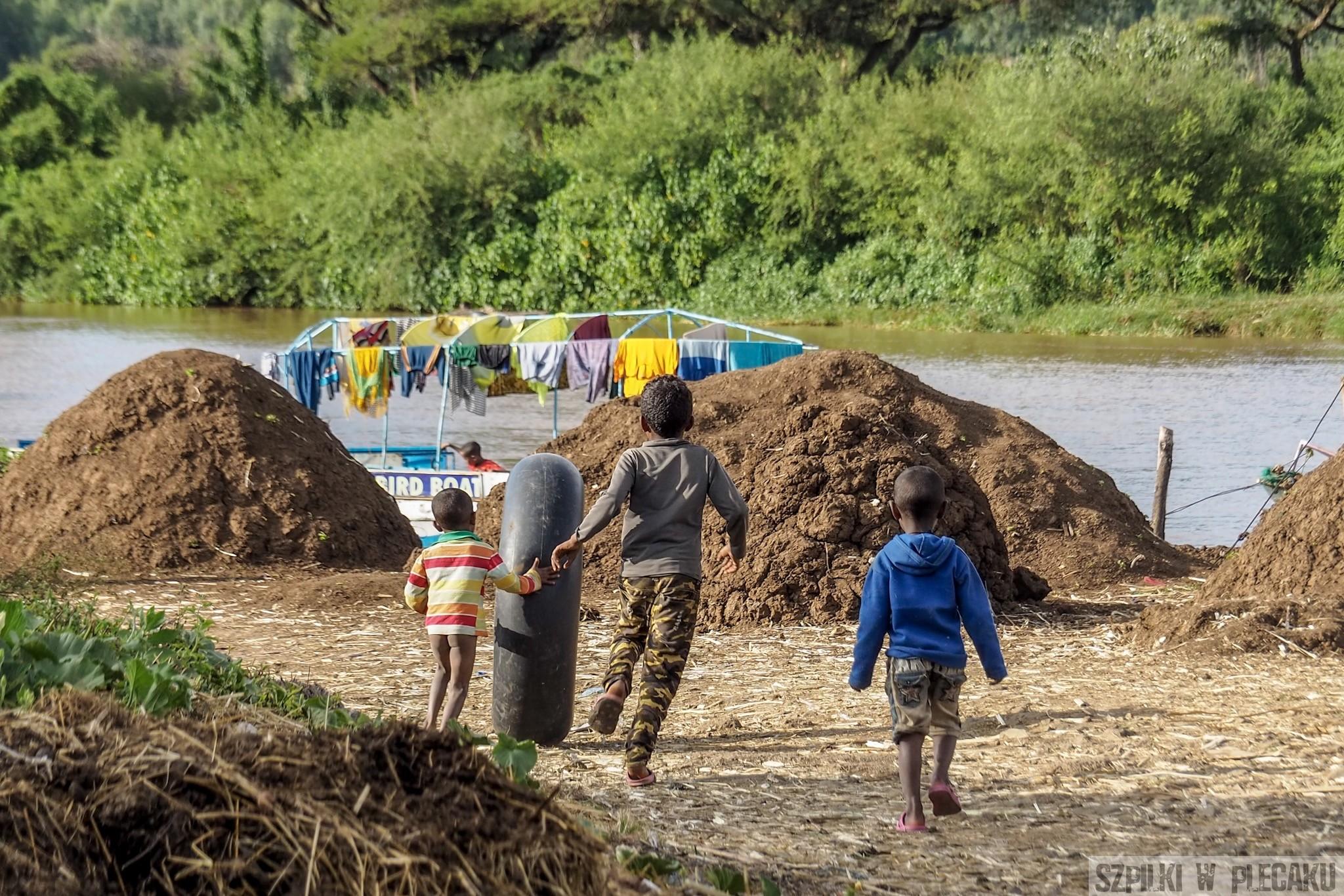 zbawy dzieci w Etiopii
