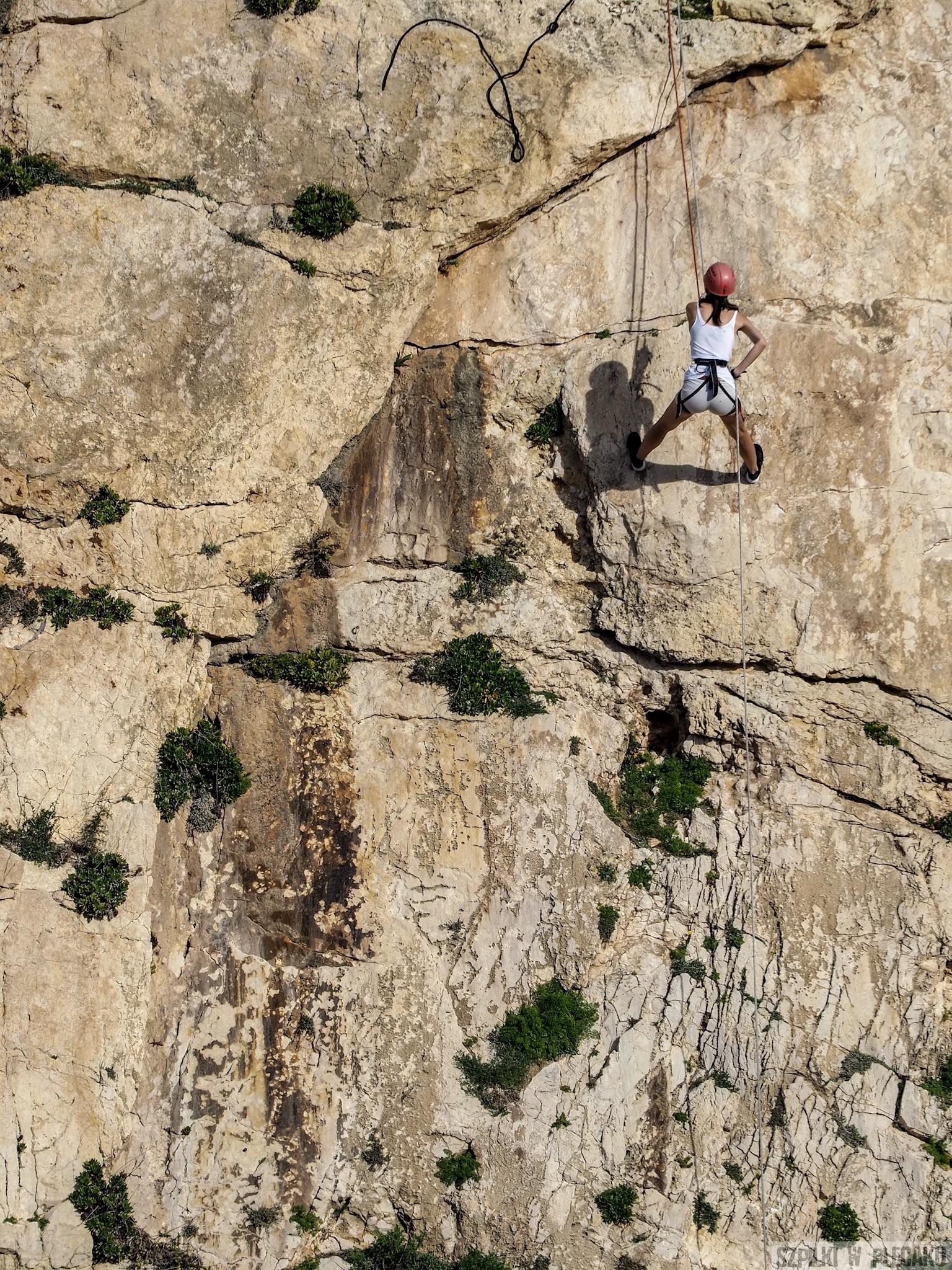 Xaqqa cliffs ściana wall