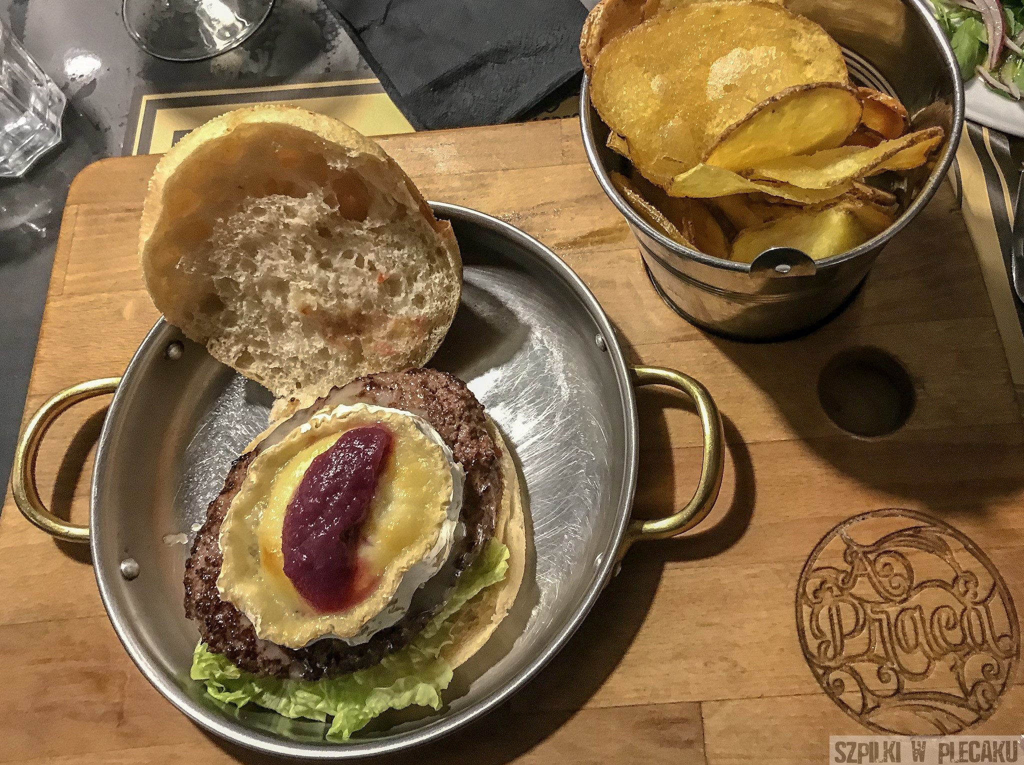 A Praca - LX Factory - burger