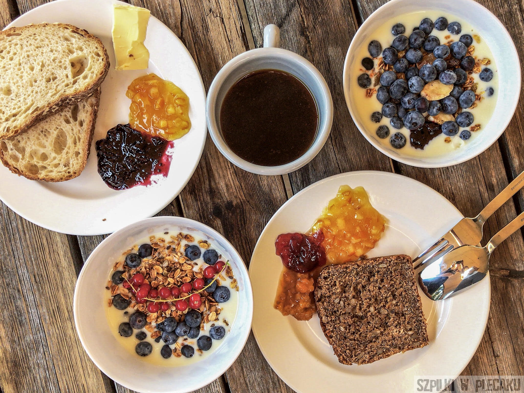 #gobackpack camp - Szpilki w plecaku - breakfast