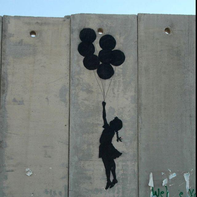 Banksy - Palestyna dziewczyna z balonikami