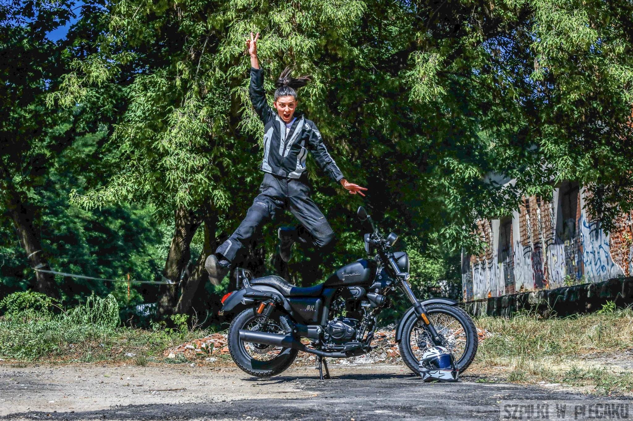 W świat na jednośladzie? Dowiedz się jak zdobyć prawo jazdy na motocykl – kat. A