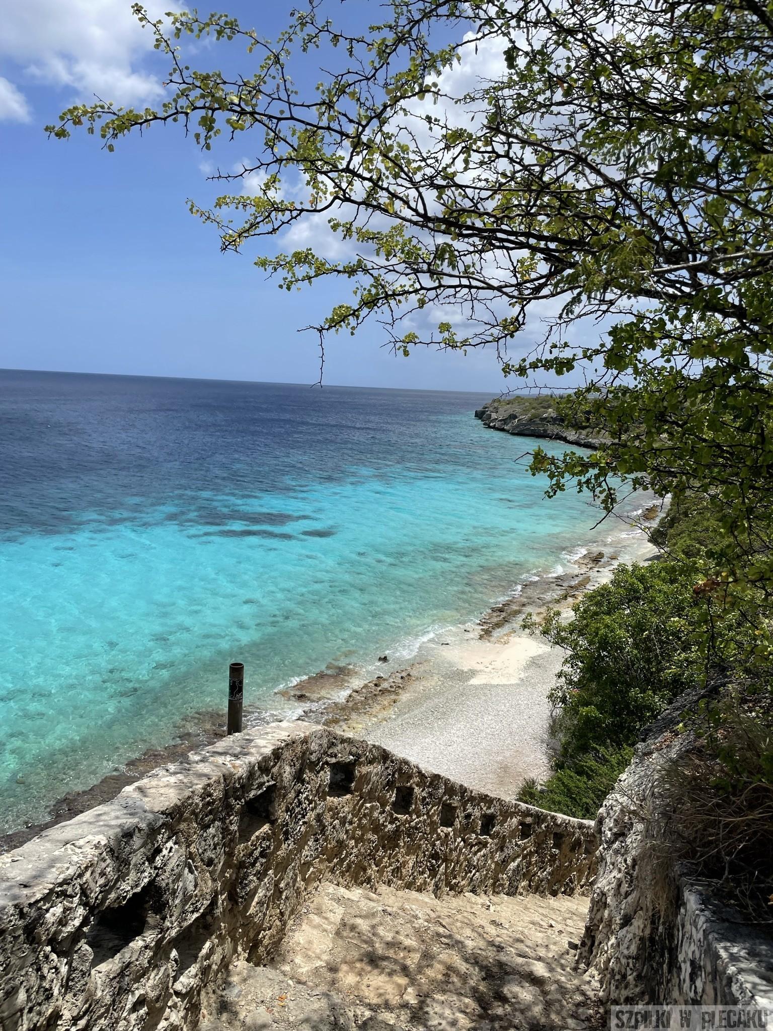 1000 steps - Bonaire - Szpilki w plecaku