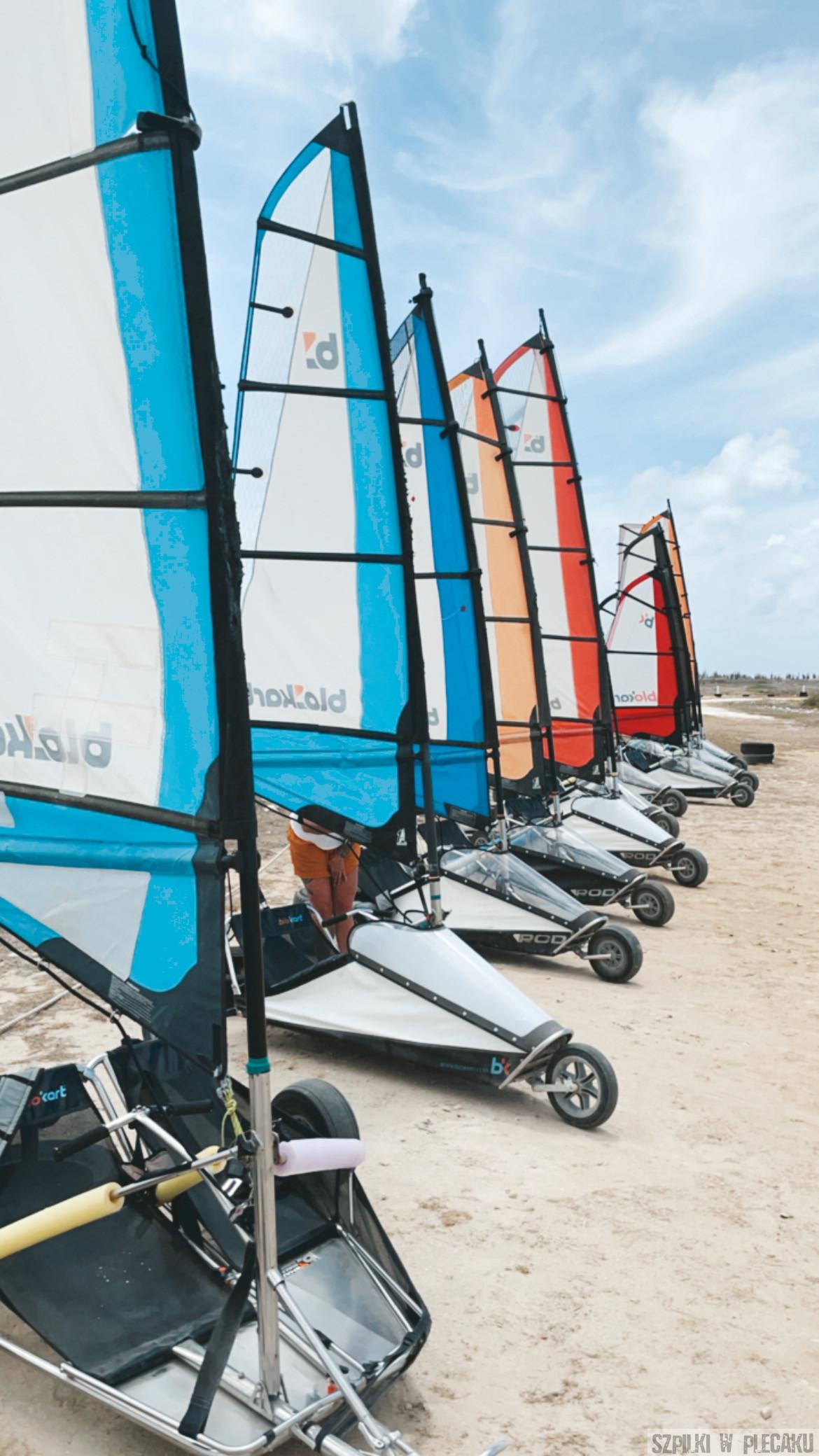landsailing -Bonaire - Szpilki w plecaku
