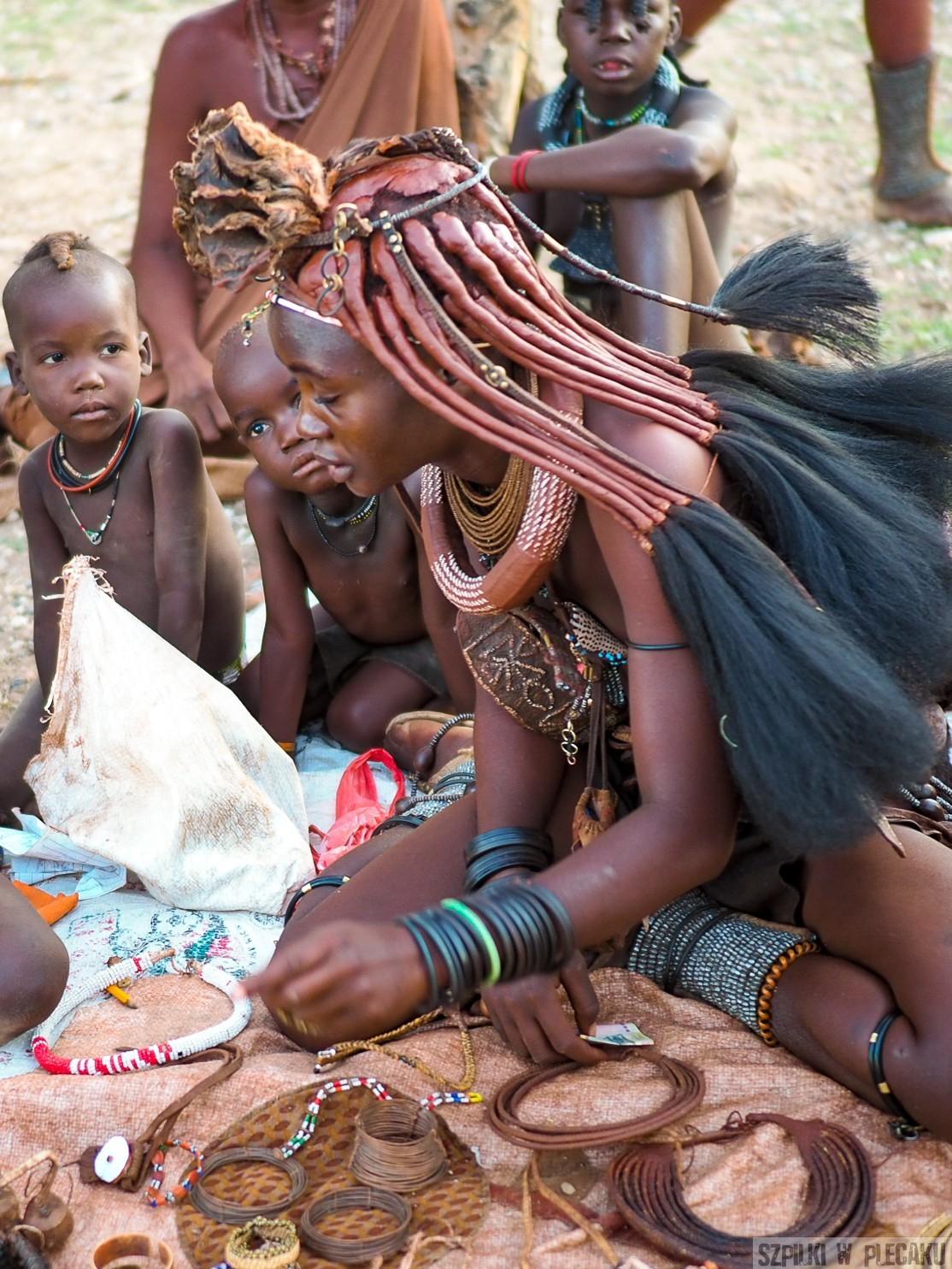 HIMBA - NAMIBIA - SZPILKI W PLECAKU